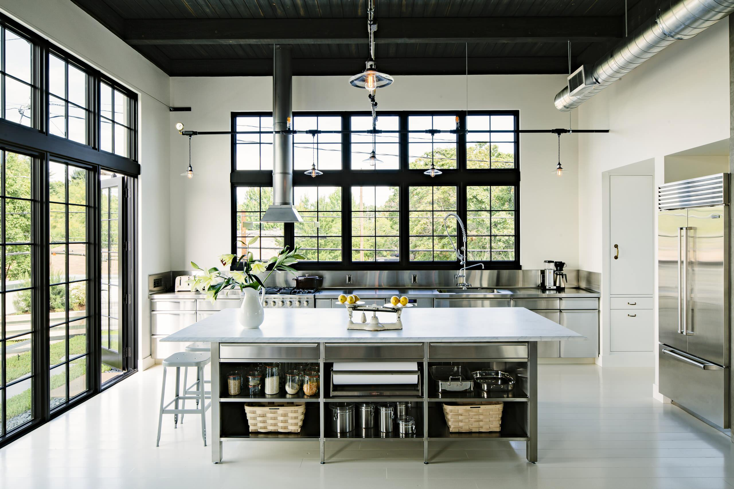 75 Beautiful Kitchen With Stainless Steel Cabinets Pictures Ideas December 2020 Houzz