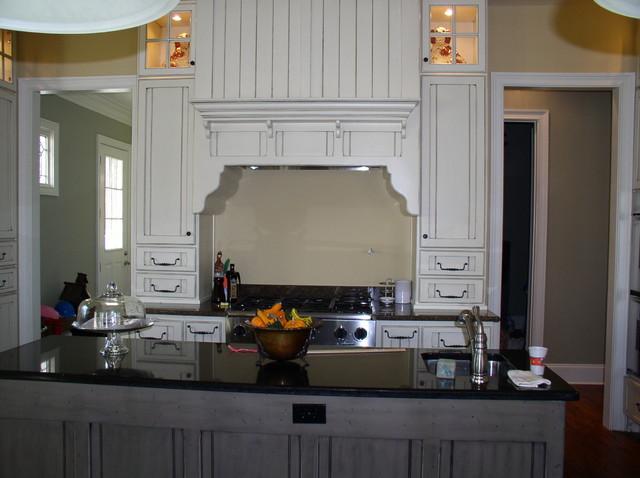 Doerr traditional-kitchen