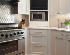 Donna Dufresne transitional-kitchen
