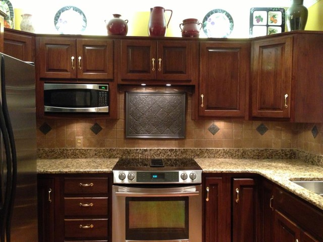 Donna Guy traditional-kitchen