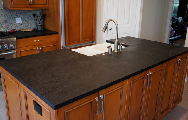 Exceptional Dorado Soapstone Installed   Kitchen Traditional Kitchen