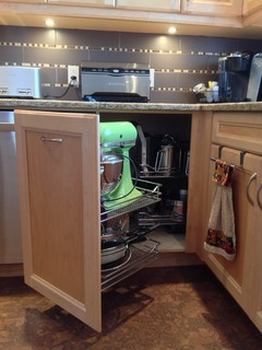 Kitchen Cabinets In Dorval