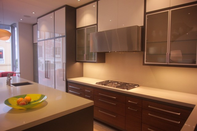 Double-sided kitchen with kitchen island and live edge peninsula modern-kitchen