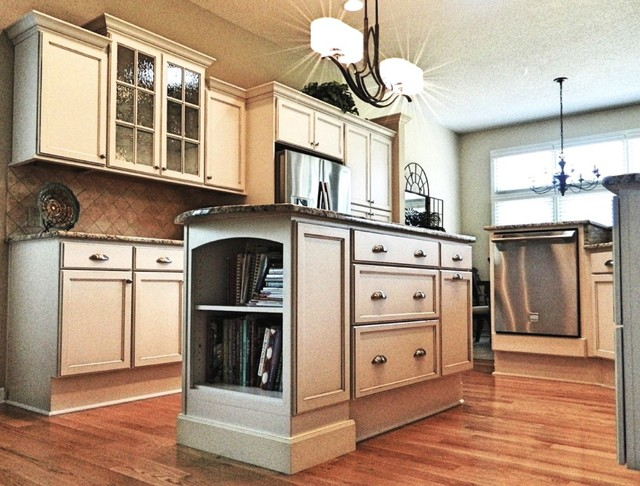 Dow - Raised Dishwasher - Traditional - Kitchen - other metro - by Creekside Cabinets Inc.