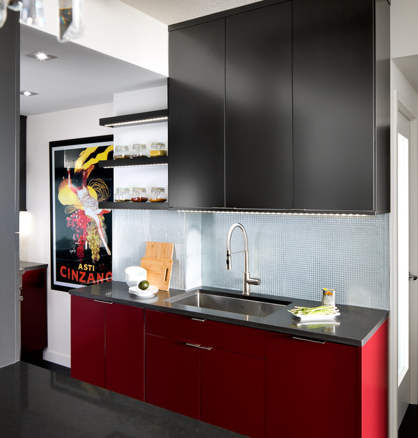Downtown toronto condo modern kitchen toronto by for Modern kitchen design for condo