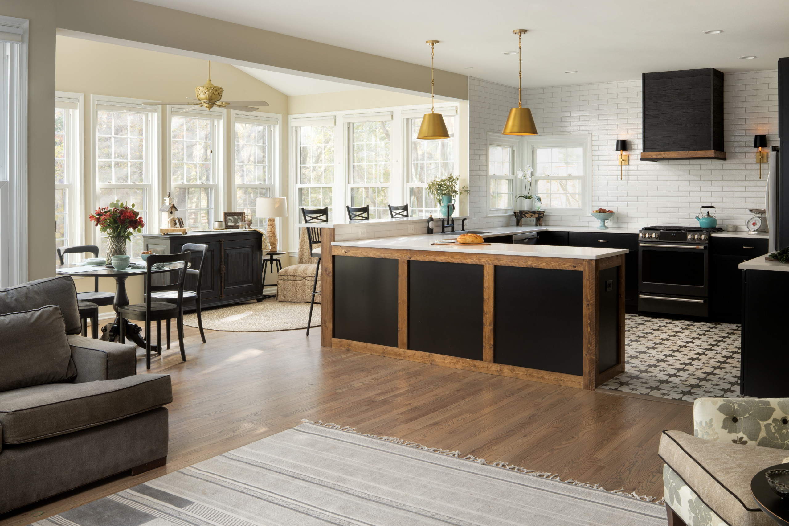 Odd Shaped Rooms Kitchen Ideas Photos Houzz
