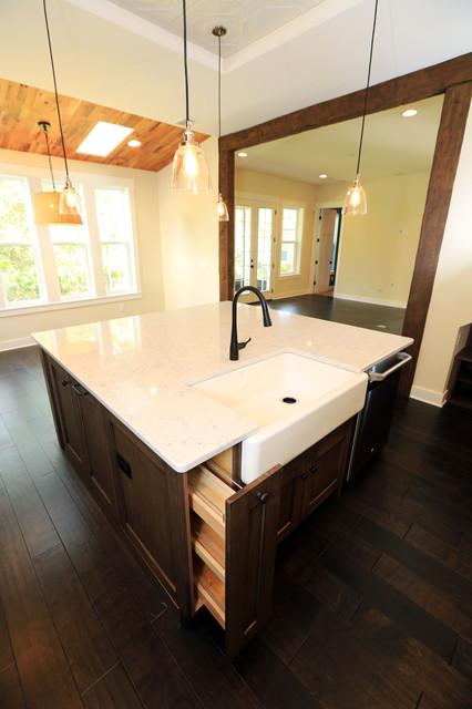 Dreambuilder 18 traditional-kitchen