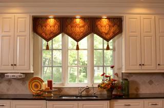 Dublin Ohio - Traditional - Kitchen - columbus - by Fine Designs & Interiors, Ltd.