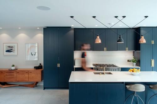 Auf Maß: Die perfekte Höhe für Arbeitsplatte und Küchentresen