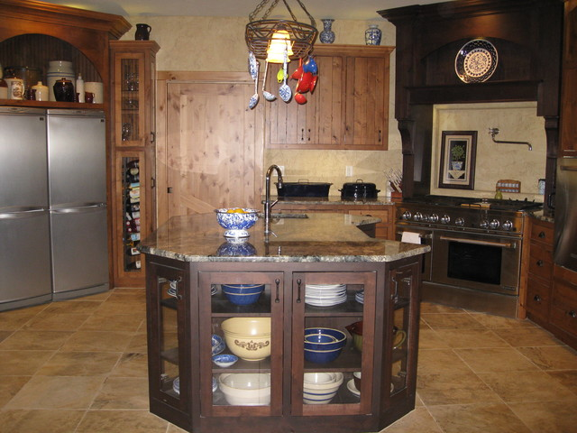 Dunafon Tree House traditional-kitchen