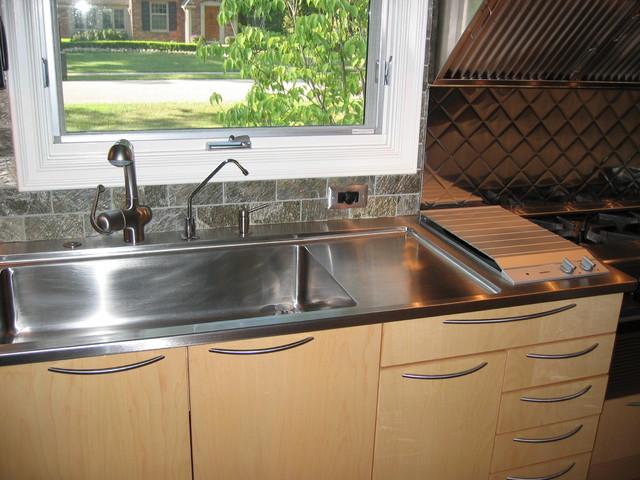 Dunblaine Avenue residence modern-kitchen