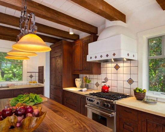 34 Large U-Shaped Kitchen Design Photos with Dark Wood Cabinets and ...