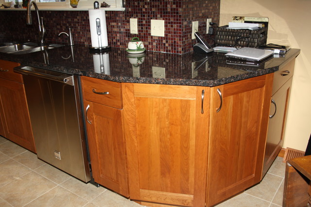 Dura Supreme Cabinetry (Alectra Line) traditional-kitchen