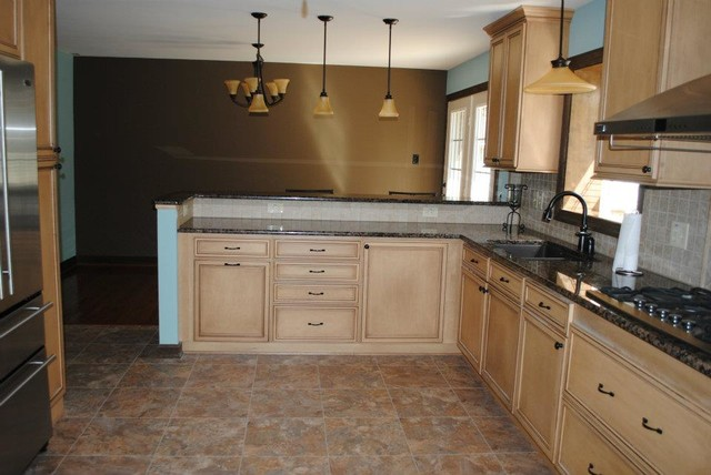 Duraceramic Floors Baltic Brown Granite Maple Cabinets Traditional Kitchen