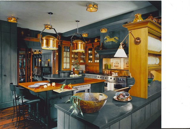 Dutch Colonial Kitchen - Traditional - Kitchen