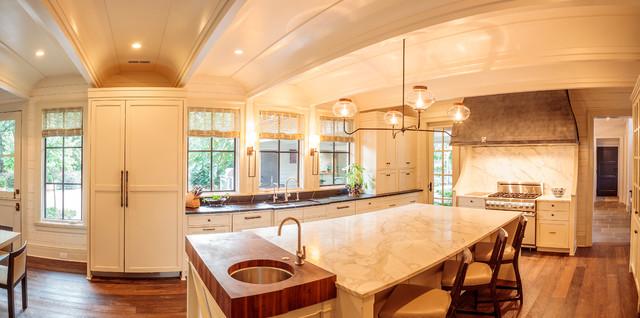 Trendy kitchen photo in Charlotte