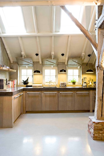 DUTCH kitchens: TRADITIONAL style transitional-kitchen