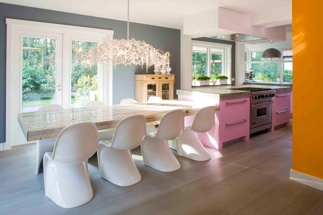 Inspiration For A Large Contemporary L Shaped Medium Tone Wood Floor Eat In Kitchen