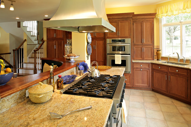 how to color kitchen cabinets dwyer kitchen traditional kitchen newark by 7223