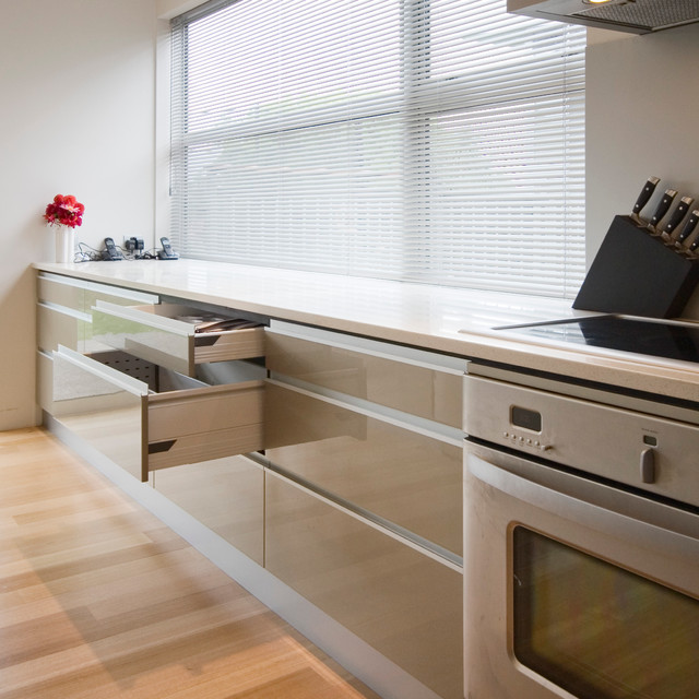 Dyers Pass Road Modern Kitchen Auckland By Cutting