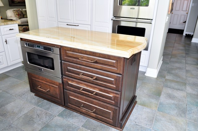 Dynasty, Brookside, Maple, Pearl, Caramel traditional-kitchen