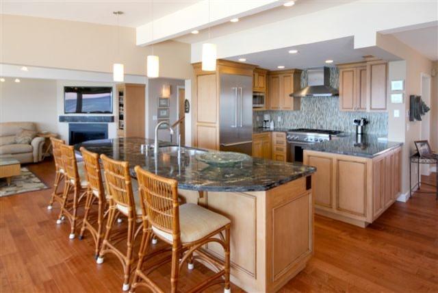 E Cliff Drive Kitchen