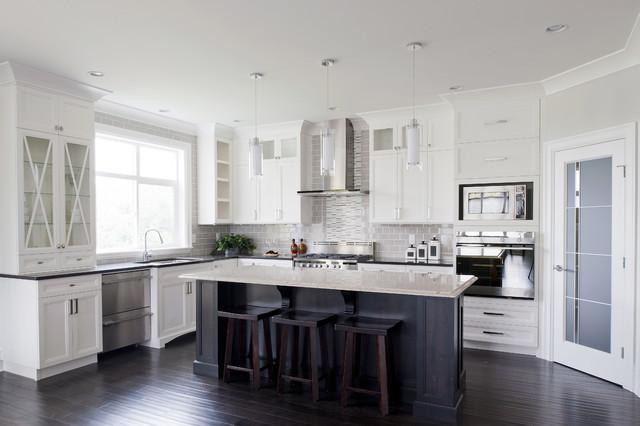 Eagle Estates traditional-kitchen