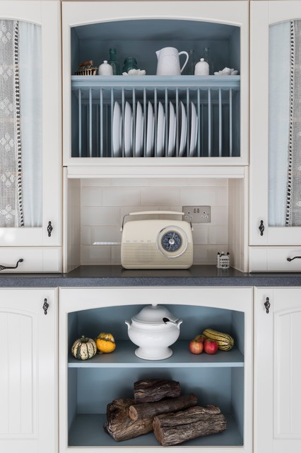 Ealing cottage traditional kitchen london by for Kitchen ideas ealing