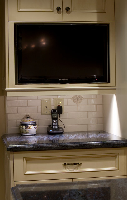 Early American - Glendale CA. traditional-kitchen
