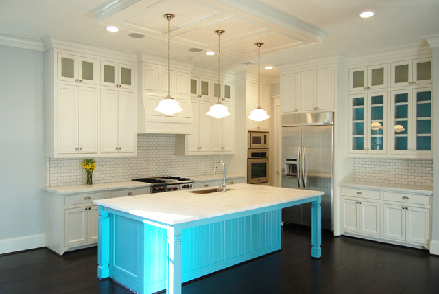 East 7.5 Residence traditional-kitchen