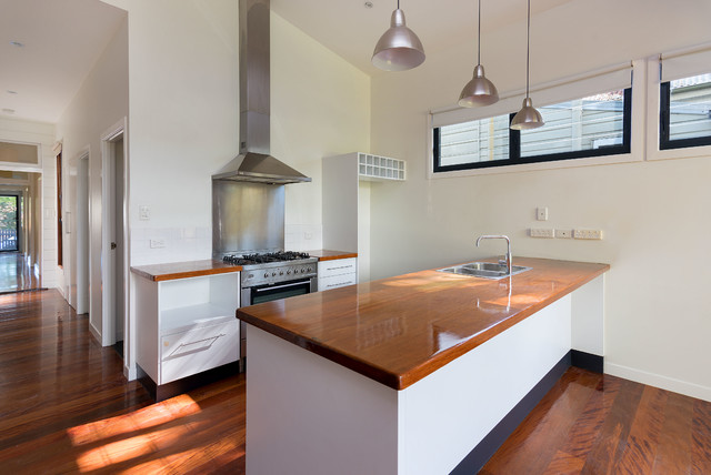 This is an example of a modern kitchen in Brisbane.
