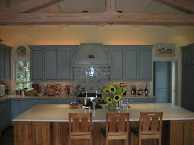 East Coast influenced kitchen traditional-kitchen