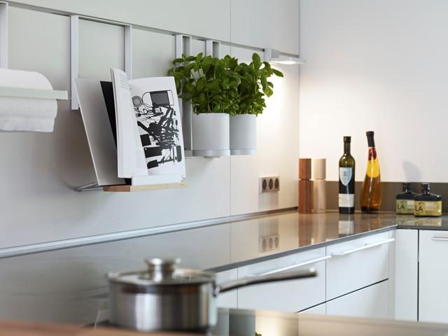 east devon refurbishment kitchen and bathrooms. Black Bedroom Furniture Sets. Home Design Ideas