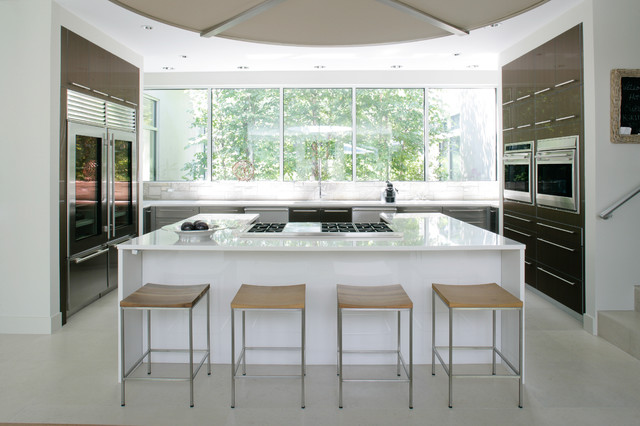 modern kitchen by Betty Wasserman