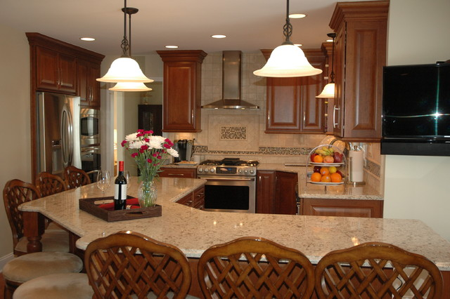 East Lansing Kitchen and Bath Remodel traditional-kitchen