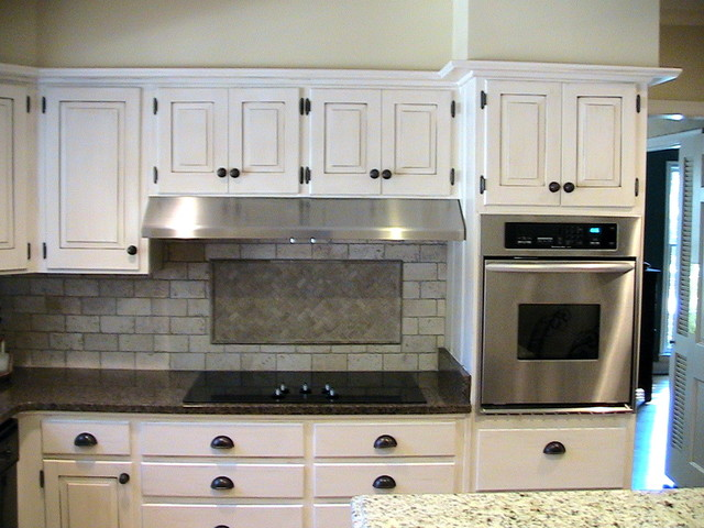 East Memphis (Laurelwood) Kitchen traditional-kitchen