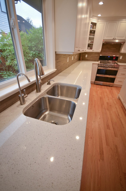 East Surrey Job Bc Traditional Kitchen Vancouver By Elite Kitchens And Bathrooms