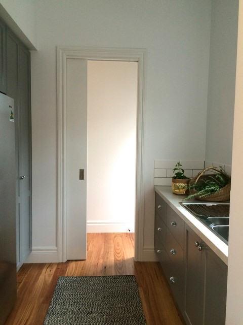 Eastfield rd rustic kitchen melbourne by lazcon for 64 rustic terrace bristol ct