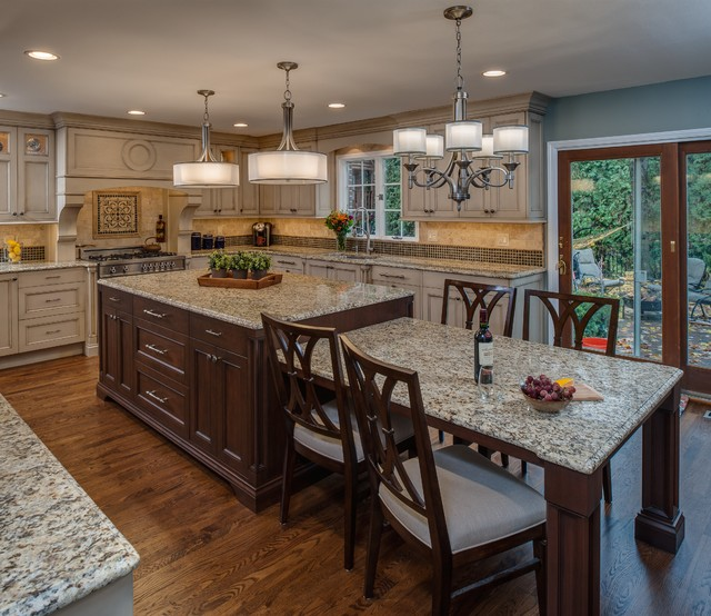 Eat In Kitchen - Large Island - Traditional - Kitchen - other metro - by Emery Design & Woodwork