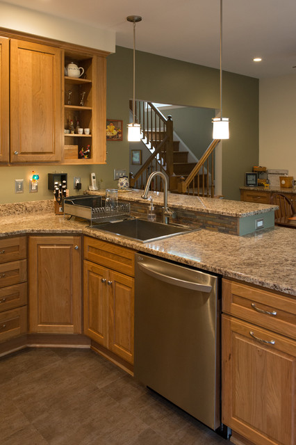Eat in kitchen remodel traditional kitchen dc metro for Traditional kitchen meaning