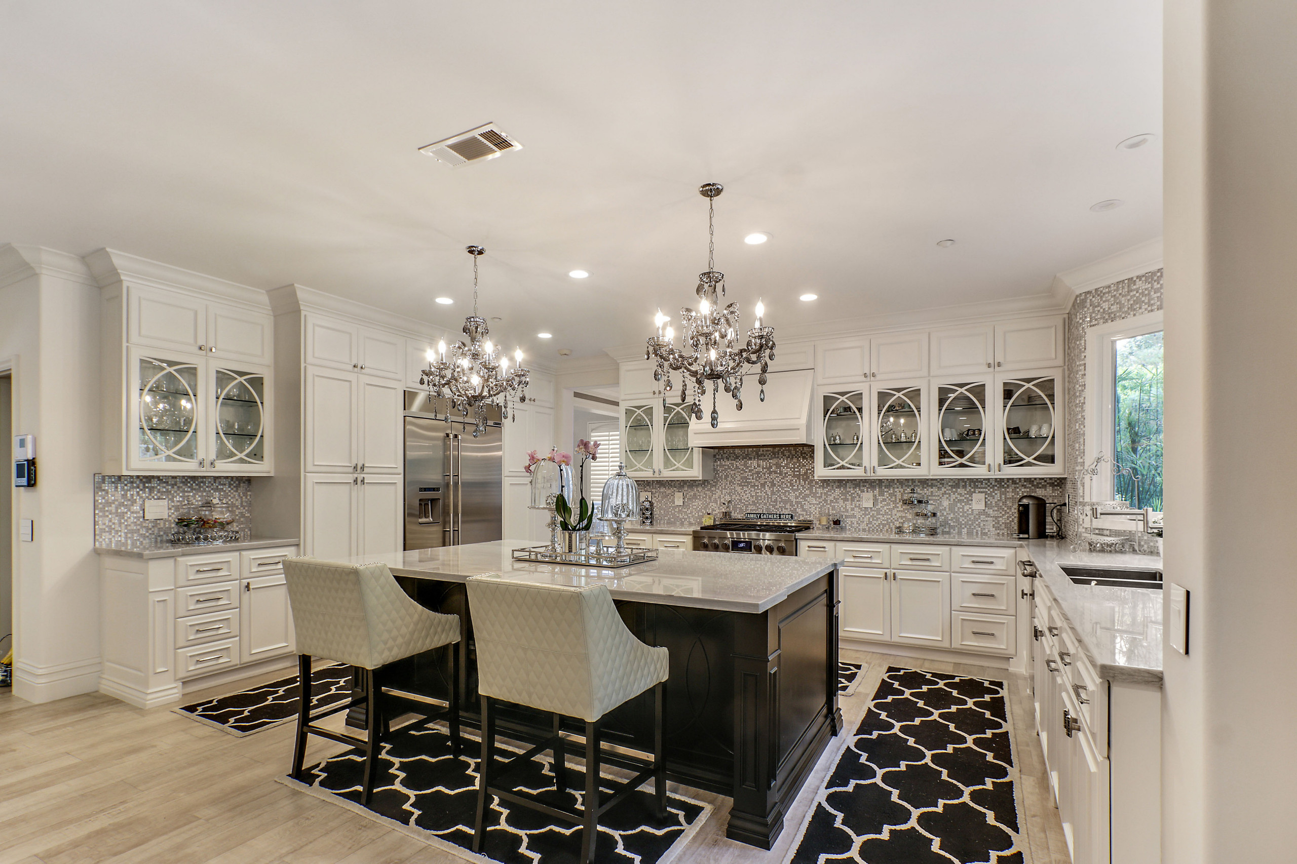 Ebony and Ivory Dream Kitchen