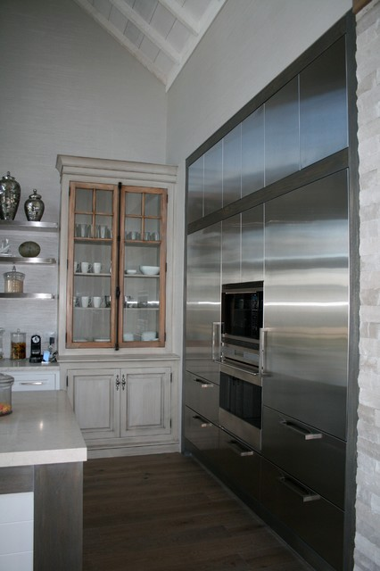Eclectic 1 contemporary kitchen toronto by bellini for Bellini kitchen cabinets