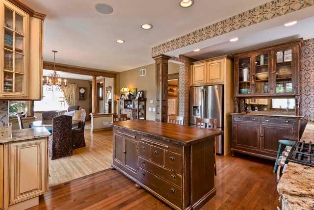Eclectic Kitchen and Bath traditional-kitchen