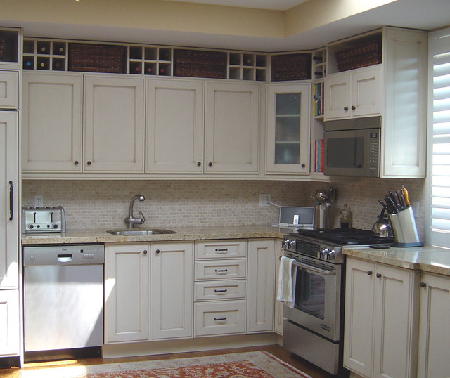 Bridge The Gap Filling The Space Above Kitchen Cabinets Houzz Nz