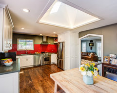 Eclectic Kitchen with Modern Functionality eclectic