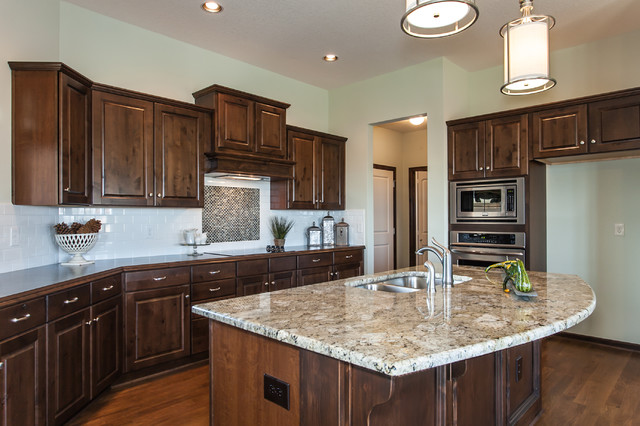 Edgewater Model 2012 traditional-kitchen