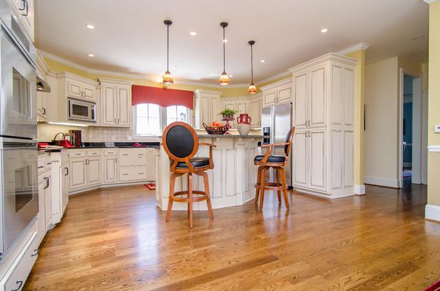 Edmondson Kitchen traditional-kitchen