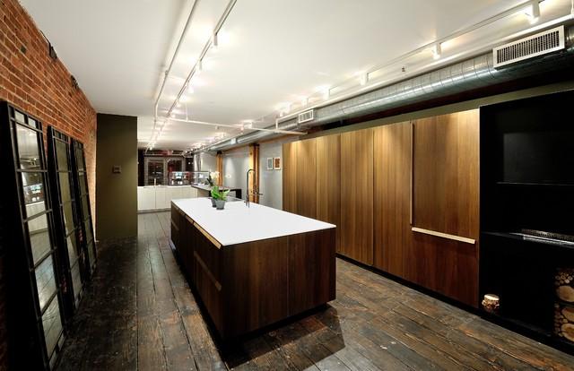 Effeti kitchen cabinet showroom chelsea nyc modern for Kitchen cabinets nyc