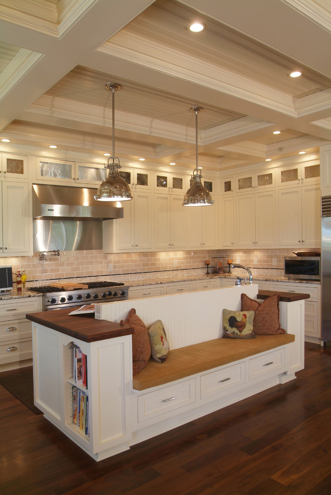 Kitchen - traditional kitchen idea in Charlotte with stainless steel appliances