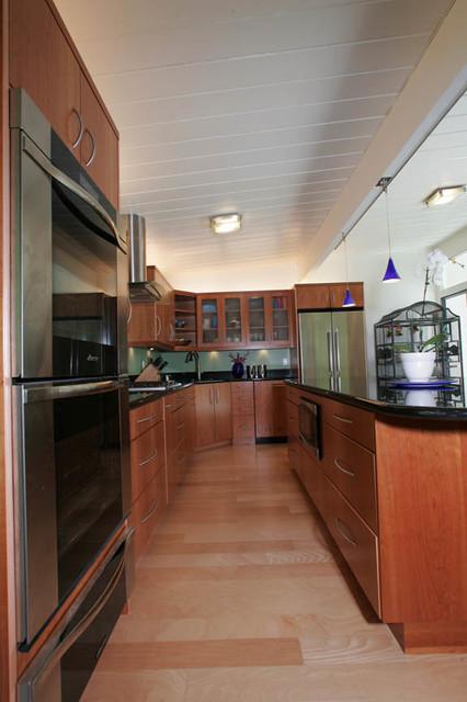 Kitchen Design 11x13 Room: Kitchen & Garage - Midcentury - Kitchen - San